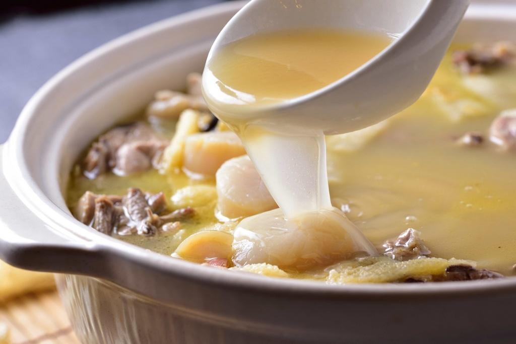 楊敏柔私宅廚房 - 干貝竹笙雞湯   跟著董事長遊台灣